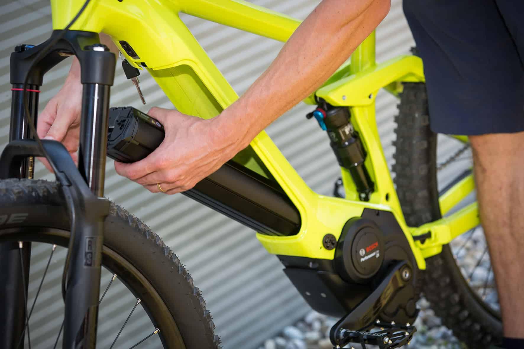 500 Wh 'PowerTube' midden-accu op een elektrische mountainbike