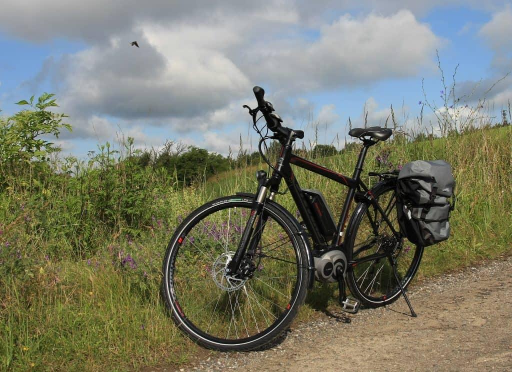 Elektrische fiets met tassen