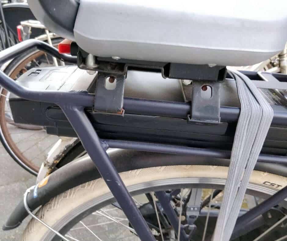Bagagedrager op elektrische fiets met kinderzitje